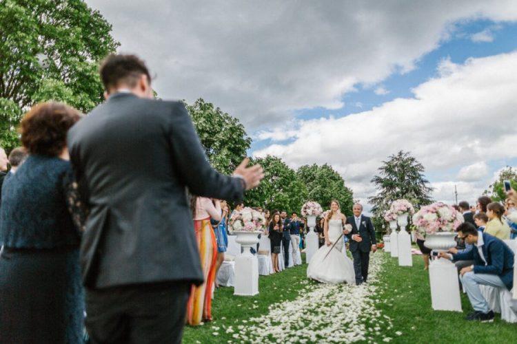 L'arrivo della sposa in una villa del Salento
